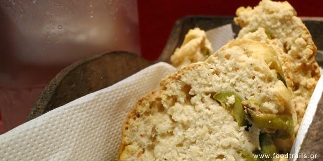 Ελαιόψωμο (ψωμί με ελιά)
