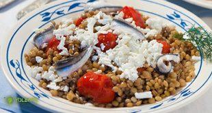 salata-fakes-tomatinia-gavros