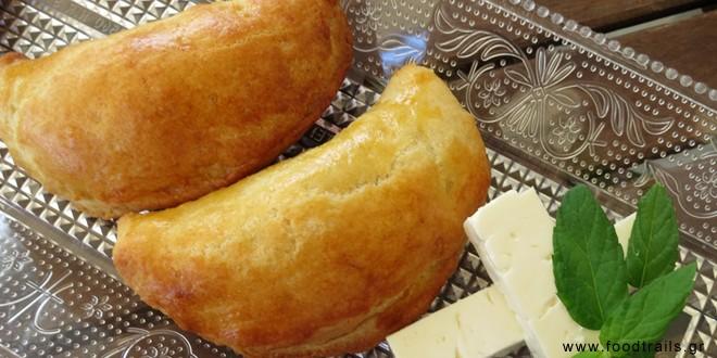 Πιτάκια με κρέμα τυριών αρωματισμένη με δυόσμο (τυροπιτάκια)