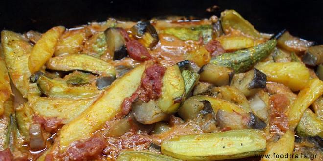Λαχανικά φούρνου με σάλτσα τυριού