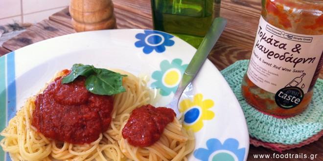 makaronada-saltsa-simple-greek-tomata-